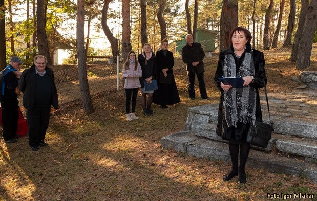 Komemoracija pri spomeniku Komemoracija-pri-spomeniku-NOB-Visole-7