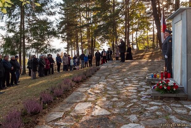 Komemoracija pri spomeniku Komemoracija-pri-spomeniku-NOB-Visole-8