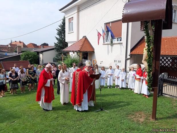 Blagoslov prenove okolice cerkve 20190825 103507