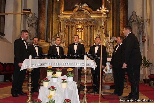 koncert slovenski oktet in oktet planika IMG 9061