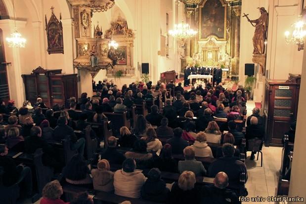 koncert slovenski oktet in oktet planika IMG 9096