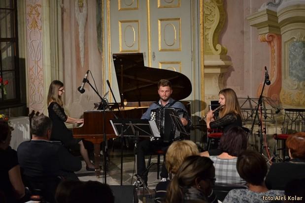 koncert uciteljev GS Sl368